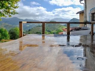 Charming, traditional house in Asturias, Spain, with modern amenities - Teverga vacation rentals