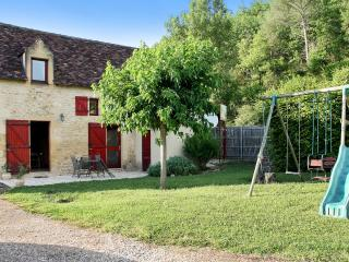 Idyllic holiday house in the Dordogne with 2 bedrooms, terrace and shared garden - Plazac vacation rentals