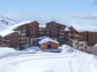 Convenient apartment in Val Thorens boasting balcony with mountain views, sleeps 5 - Val Thorens vacation rentals