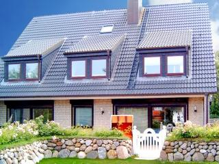 Beautiful apartment on Sylt island, Germany, with 3 bedrooms, garden and private terrace - Sylt vacation rentals