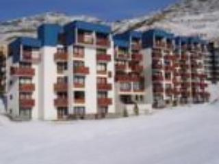 Idyllic apartment in the French Alps with private balcony and mountain views, sleeps 6 - Val Thorens vacation rentals