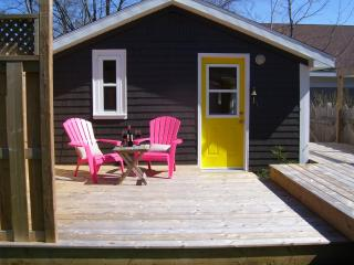Private Escape on Main Street Mahone Bay - Mahone Bay vacation rentals