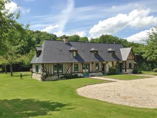 Fantastic getaway in the Eure, Normandy, with 2 houses, lush garden and rustic-chic décor - Fourmetot vacation rentals