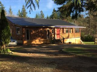Powell River Summer Home - PERFECT FOR THE FAMILY - Powell River vacation rentals