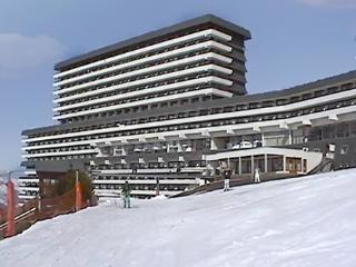 Lovely studio in Les Menuires with balcony and stunning view! - Courchevel vacation rentals