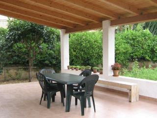 Villa vicino al mare - Fontane Bianche vacation rentals