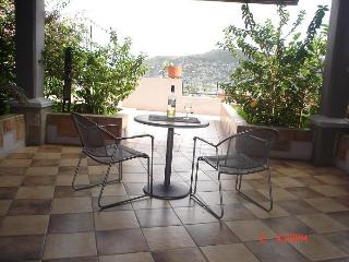 Beautiful Condo with Deck and Internet Access - Oaxaca vacation rentals