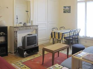 Cosy apartment in Dieppe, Normandy, 5 mins away from sea & city center - Dieppe vacation rentals