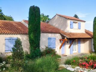 Charming villa in Trets, Provence, with pool and idyllic garden - Vauvenargues vacation rentals