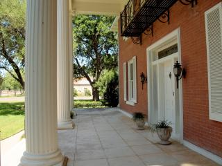 Charming House with Internet Access and Short Breaks Allowed - Gonzales vacation rentals