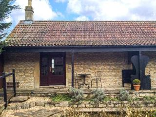 THE MALLARD STUDIO, single-storey, king-size bed, romantic retreat, overlooking duck pond, in Hinton, Ref 24495 - Dyrham vacation rentals