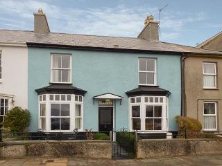 GLANDWR, terraced cottage with sea views, Smart TV, enclosed gardens, in Borth-y-Gest, Ref 25025 - Borth-y-Gest vacation rentals