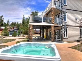 Boulder Bay Lodge - New Boat Dock, Views, Decks - City of Big Bear Lake vacation rentals