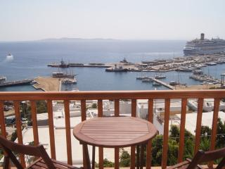 2 bedroom apartment over the port - Mykonos Town vacation rentals