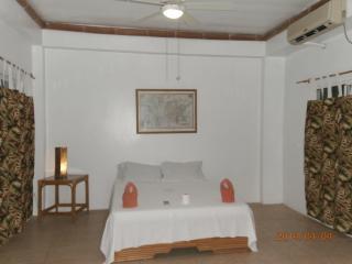 BAHAY ISLA LODGE - Puerto Galera vacation rentals