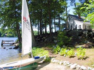 Private & Charming Waterfront Cottage on Lake Winnipesaukee (PRI26W) - East Wakefield vacation rentals
