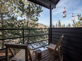 4BR/4BA Rustic Mountain Condo, Park City, Sleep 11 With new updates & owners! - Park City vacation rentals
