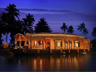 Welcome House Boat  (Double Bed Room for 6 PAX) - Kumarakom vacation rentals