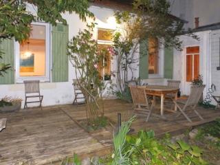 3 bedroom House with Internet Access in La Rochelle - La Rochelle vacation rentals