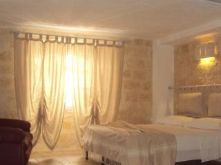 Romantic 1 bedroom Apartment in Barletta with A/C - Barletta vacation rentals