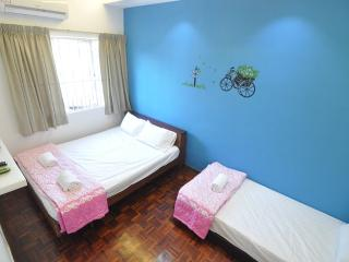 myPJ Room for 3pax -SS2, Petaling Jaya - Petaling Jaya vacation rentals