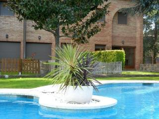 Casa Franca, duplex with commun.pool - Calonge vacation rentals