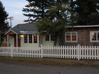 Seashell Cottage - 3rd Cottage From the Beach - Birch Bay vacation rentals