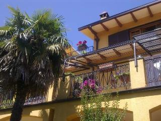 Guardalaluna Villa from 1 to 9 with 4 bedrooms - Pian di Sco vacation rentals
