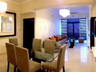 Marine City Luxury 3 Bed room apartment - Mount Lavinia vacation rentals