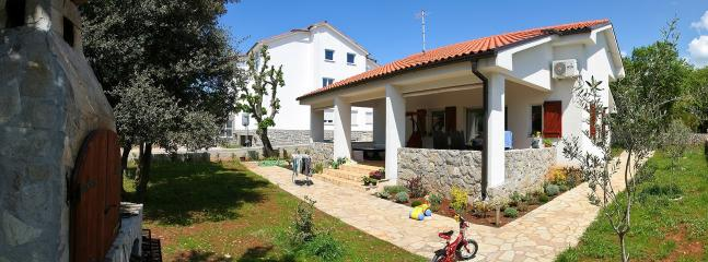 Lovely Villa with Dishwasher and A/C - Krk vacation rentals