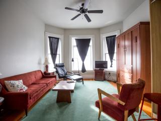 Comfortable Elegance, Stone Patio, Great Location! - Portland Metro vacation rentals