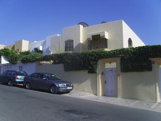 4 bedroom luxurious Villa, Agadir Ref: 1081 - Agadir vacation rentals