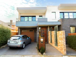 Melbourne Luxurious Inner City Haven sanctuary - Melbourne vacation rentals