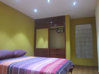 2x1.5 beds or 1 King + Insuite bathroom 1st floor - Huanchaco vacation rentals