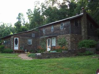 Cedar Rock Lodge - Parthenon vacation rentals