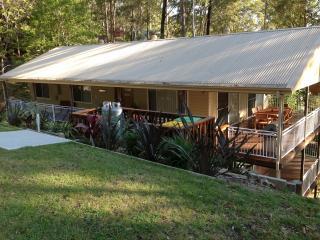 Beautiful 3 bedroom Cottage in Smiths Lake with Deck - Smiths Lake vacation rentals