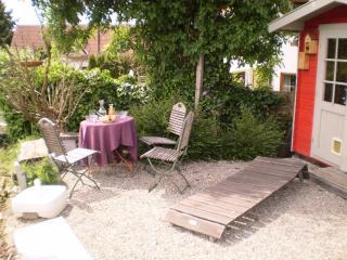 Vacation Apartment in Uhldingen-Mühlhofen - 323 sqft, 1 living room / bedroom, max. 2 people (# 6196) - Baden Wurttemberg vacation rentals