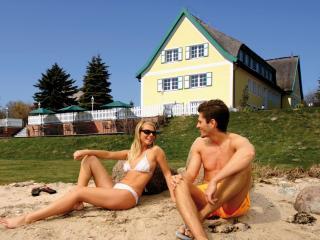 Vacation Apartment in Middelhagen - 1 bedroom, max. 4 people (# 6191) - Ostseebad Binz vacation rentals
