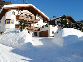 Vacation Apartment in Flirsch - 2 bedrooms, max. 5 people (# 6426) - Tirol vacation rentals