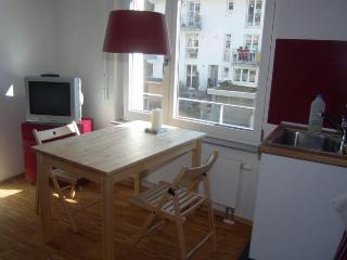 Vacation Apartment in Freiburg im Breisgau - 484 sqft, 1 living room / bedroom, max. 4 people (# 6487) - Saint Georgen vacation rentals