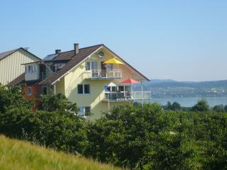 Vacation Apartment in Konstanz - 753 sqft, 2 bedrooms, max. 4 people (# 6495) - Konstanz vacation rentals