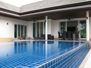 Green Garden Private Pool Villa, KhaoLak - Phangnga vacation rentals