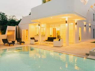 Vacation Rentals - Baan Chalong Pool Villa - Chalong Bay vacation rentals