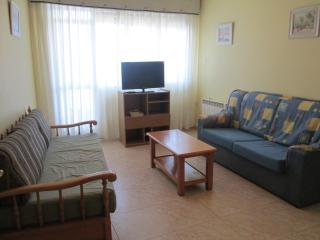 Cozy 3 bedroom Vacation Rental in Bueu - Bueu vacation rentals