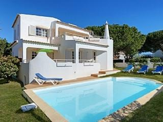 GREAT DEAL Villa Praia da Gale, - Albufeira vacation rentals