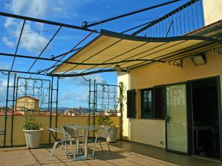 SOMETHING SPECIAL!!! FLORENCE IS ALL AROUND!!! - Florence vacation rentals