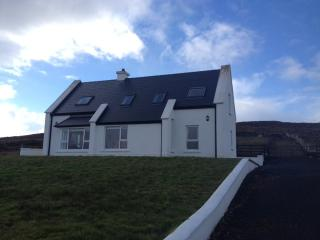 Perfect 3 bedroom Achill Island Cottage with Parking Space - Achill Island vacation rentals