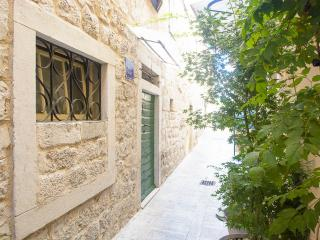 Nice Guest house with Internet Access and Short Breaks Allowed - Trogir vacation rentals