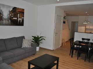 Bright 2 bedroom Ypres Condo with Internet Access - Ypres vacation rentals
