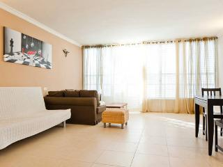 cozy 2 br apartment near the sea! - Bat Yam vacation rentals